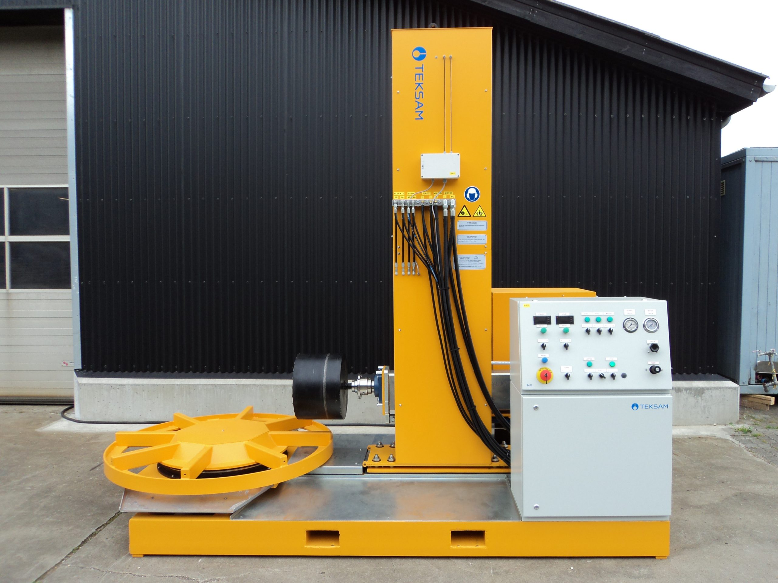 Coring machine for concrete cored holes